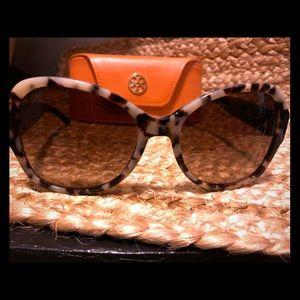 Tory Burch Sunglasses TY7077 156713 Black White